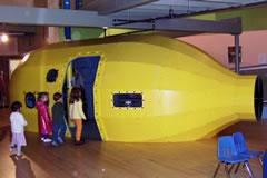 NH_Childrens_Museum_submarine